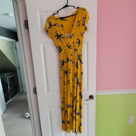 Loveappella Dresses & Skirts - Womens tori knit maxi dress NEW